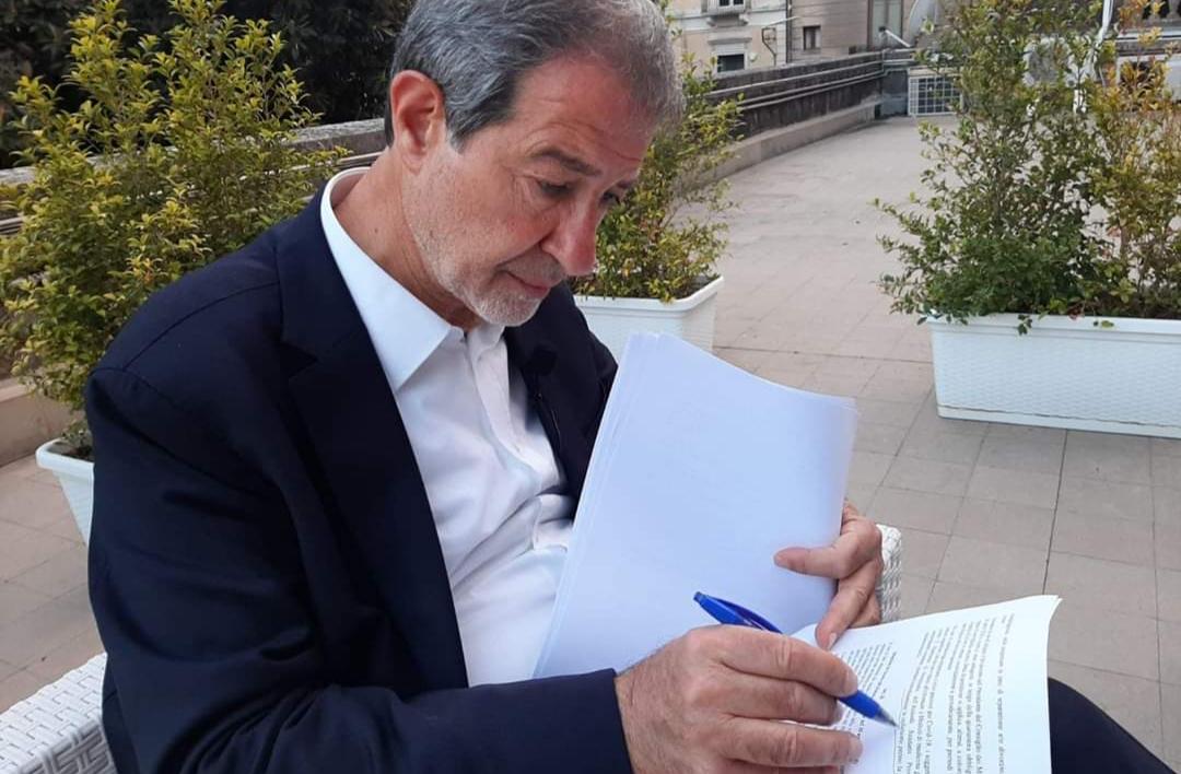 Coronavirus, Musumeci firma l'ordinanza che allenta ancora le misure in Sicilia
